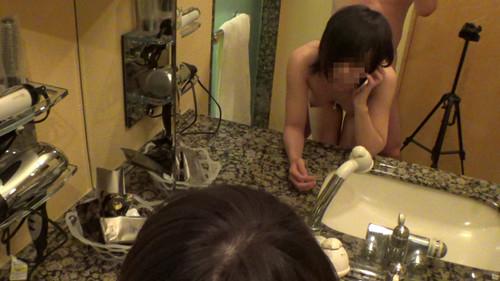 【オボワz☆ 投稿作品】学生にしか見えない19才パイパンコスレイヤー中出し『ごめん…ごめんねアンッ♥』洗面台でハメられ喘ぎながら彼氏に謝罪…彼氏激怒